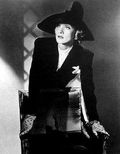Horst P. Horst, Marlene Dietrich, New York, 1942, Staley-Wise Gallery