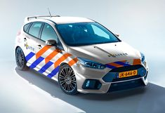 Mercedes gaat politieauto's leveren - https://www.topgear.nl/autonieuws/mercedes-gaat-politieautos-leveren/
