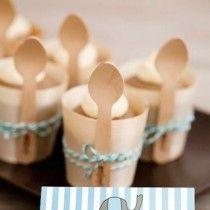 Vasitos de Bambú para la decoración de bautizos #candybar #decoracion #comunion #bautizo #buffet #boda #celebraciones #mesas #dulces #platos #madera #vajilla #desechables #fiestas #infantiles