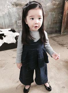 》Pinterest: Hayul《 Cute Asian Babies, Korean Babies, Asian Kids, Cute Babies, Baby Girl Fashion, Toddler Fashion, Kids Fashion, Cute Toddlers, Cute Kids