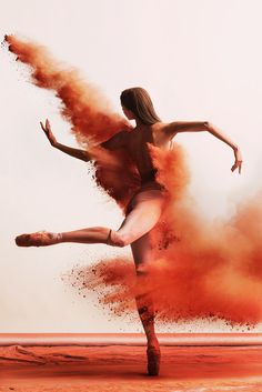 Ballet itself is an artform but now it becomes even Ballet Art, Ballet Dancers, Ballerina Dancing, Dancer Photography, Portrait Photography, Contemporary Dance Photography, Modern Photography, Photography Ideas, Shall We ダンス
