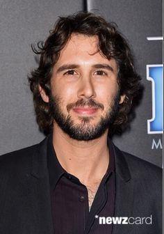Josh Groban at the People Magazine Awards in LA. He's rockin the new look! Love the #Beard