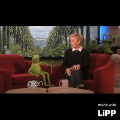 Que majo Gustavo, también me felicita por mi cumpleaños... eso creo. #kermit #gustavo #showmethemoney #muppets