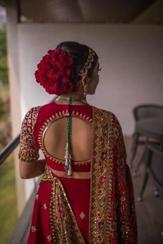 Photo of Stunning bridal bun with red roses Bridal Hairstyle Indian Wedding, Bridal Hair Buns, Bridal Hairdo, Indian Wedding Hairstyles, Indian Bridal Outfits, Indian Bridal Fashion, Bride Hairstyles, Lehenga Hairstyles, Office Hairstyles