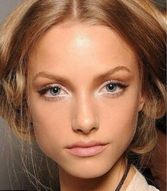 Spring Bridal Beauty Trends by wedding expert Victoria Farr wedding hair and make up. Must see spring bridal makeup trends feat orange hues and white eyes Natural Wedding Makeup, Natural Makeup Looks, Wedding Hair And Makeup, Bridal Makeup, Natural Beauty, Natural Glow, Prom Makeup, Bridal Beauty, Au Natural