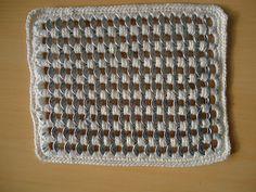 Irmãs da Tânia Artes: PAP aparador de panela em croche com lacre