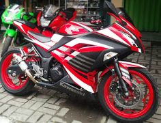 Kawasaki Ninja 250 Fi merah modifikasi cutting sticker merah hitam