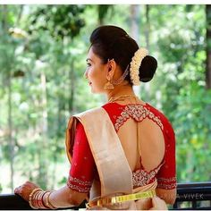 Currently in obsessing with this blouse design . Blouse design by . Use to get featured in our page. Brocade Blouse Designs, Wedding Saree Blouse Designs, Designer Blouse Patterns, Fancy Blouse Designs, Wedding Sarees, Stylish Blouse Design, Blouses, Work Blouse, Salwar Suits