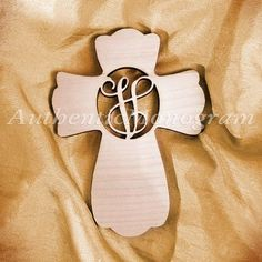 aMonogramArtUnlimited Cross Wooden Monogram Wall Decor Letter: M