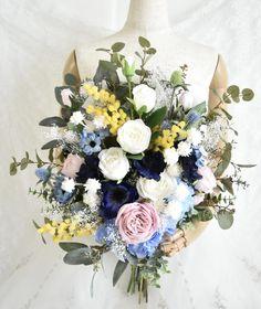 お花いっぱいのナチュラルクラッチブーケ。すべて造花です。 Silk Flower Bouquets, Silk Flowers, Floral Wreath, Wreaths, Decor, Flowers, Floral Crown, Decoration, Door Wreaths