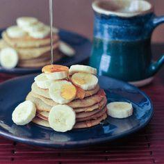 Banana maca pancakes, a high protein breakfast option on Spabettie blog.