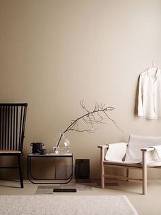 minimalist home design Beige Tan Living Room With Black Accents Home Interior, Interior Styling, Interior Design, Color Interior, Natural Interior, Interior Modern, Earth Tone Decor, Beige Room, Beige Walls Bedroom