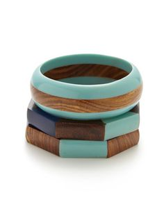 Love the turquoise and wood
