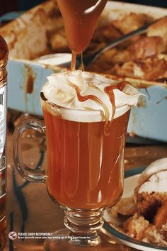 Captain Morgan, Spiced Rum, Fall Recipes, Holiday Recipes, Yummy Drinks, Yummy Food, Cinnamon Syrup, Cocktail Recipes, Alcohol Drink Recipes