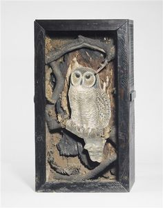 Joseph Cornell was a self-taught artist who created the most amazing collages in shadow boxes with random found objects. Joseph Cornell Boxes, Max Ernst, Collage Art Mixed Media, Grand Palais, Assemblage Art, Owl Art, Japanese Prints, American Artists, Altered Art