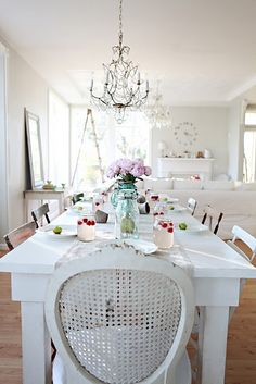 French Farmhouse table with mismatched chairs Farmhouse Style Table, French Farmhouse, White Cottage, Cottage Chic, Cottage Style, Mismatched Chairs, Estilo Shabby Chic, Love Chair, White Rooms