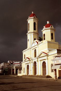 Salvation from stormy hell - Cienfuegos, Cienfuegos http://www.cuba-junky.com/cienfuegos/cienfuegos-city-home.htm