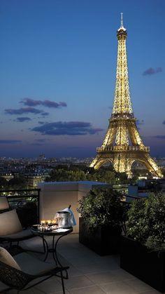 Paris Hotels, City Aesthetic, Travel Aesthetic, Shangri La Paris, Shotting Photo, Paris Wallpaper, Dream City, Beautiful Places To Travel, Tour Eiffel