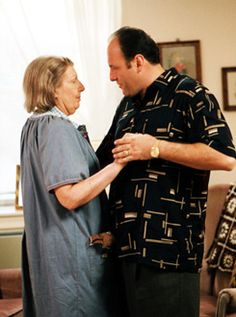 The Sopranos - Tony and his mother Livia Best Tv Shows, Best Shows Ever, Favorite Tv Shows, Tony Soprano, Mafia, Les Sopranos, Best Supporting Actor, Hbo Series, One Liner