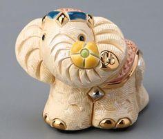 Декоративная фигурка «Слон» из коллекции De Rosa Rinconada. Размер: высота 5 см. Материал: керамика.