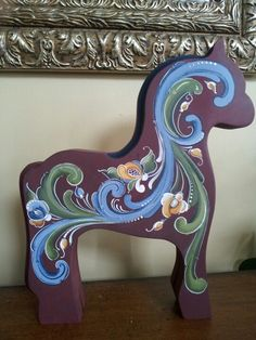 Fijord horse Rosemaling Pattern, Fjord Horse, Norwegian Christmas, Norwegian Rosemaling, Scandinavian Folk Art, Music Crafts, Wooden Horse, Painted Pony, Carousels