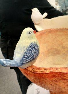 Detail of birds around birdbath. Ceramic Birds, Ceramic Animals, Bird Tree, Garden Trees, Biscuit, Decoupage, Pottery, Draw, Painting