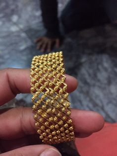Gold Chain Design, Gold Bangles Design, Jewelry Design, Ear Jewelry, Gold Jewelry, Beaded Jewelry, Jewellery, Gold Fashion, Bengal