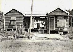 Pryor's 1st store and Post Office Lisarow