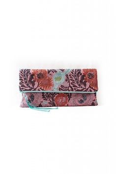 Fold-Over Clutch - FREE pattern from Pattern Runway