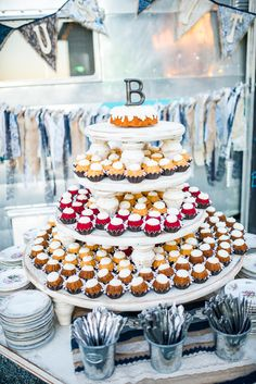How cute is this bundt cake tower that Chris and Kristina had at their wedding instead of a traditional wedding cake? Wedding Cupcake Table, Wedding Cupcakes, Reception Ideas, Wedding Reception, Cake Tower, Traditional Wedding Cake, Wedding Inspiration, Wedding Ideas, Anniversary Parties