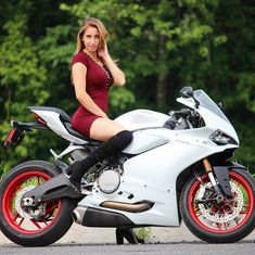 Can't wait for the custom panigale series to take off and see this beauty of a beast transform With all the support we have been receiving we will be giving away the bike to one of YOU! Futuristic Motorcycle, Scooter Motorcycle, Motorbike Girl, Auto Girls, Car Girls, Lady Biker, Biker Girl, Motard Sexy, Dirt Bike Girl