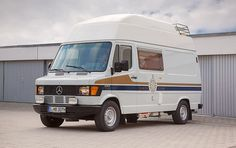 Camper Mercedes-Benz 307 D - James Cook Mercedes Camper, Mercedes Benz Vans, Rv Bus, James Cook, Daimler Benz, Cool Campers, Automatic Transmission, Campervan, Van Life
