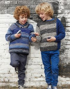 Book Kids 71 Autumn / Winter | 22: Kids Sweater | Blue-Grey-Black