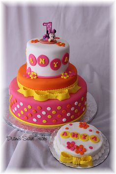 Anya's 1st birthday cake and smash cake by Diane's Sweet Treats - (Diane Burke), via Flickr