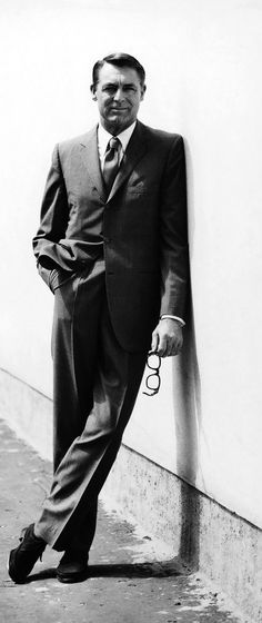 Continental Suit. Continental Suits were popular during the late 1950s, and replaced the gray flannel suits in prominence. The continental suit consisted of shorter jackets, closer fits through the torso, and rounded, cutaway jackets.