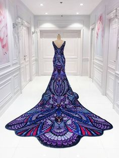 Aishwarya Rai's Michael Cinco Butterfly Dress at Cannes Took Hours To Make Awesome & cheap Dresses. Elegant Dresses, Pretty Dresses, Awesome Dresses, Casual Dresses, Crazy Dresses, Cheap Dresses, Formal Dresses, Formal Wear, Beautiful Gowns