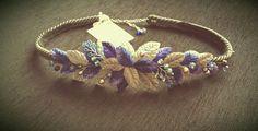 Cinturon hojas de terciopelo y cristal en tonos azul y plata con cintura de cordon de seda