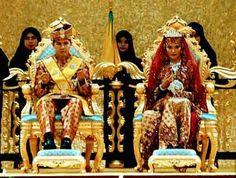 Princess Hajah Majeedah Nurul Bulqiah, daughter of the Sultan of Brunei, and Khairul Khalil Brunei, Prince And Princess, Princess Zelda, Bandar Seri Begawan, Royal Monarchy, Marriage Couple, Royal Life, Modern History, Royal Weddings