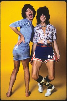Mick Jagger and Ronnie Wood strike a pose OMG.... I'll have lots of nightmares the rest of my life......
