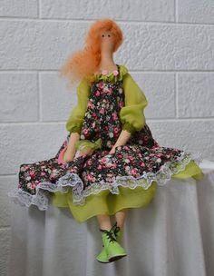 Muñeca hecha a mano del estilo Tilda. Muñeca de trapo.