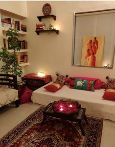 Small Living Room Ideas with Traditional Indian Decor - Sesempatmu Saja Home Decor Bedroom, Indian Room Decor, Drawing Room Decor, Indian Room, Indian Bedroom Decor, India Home Decor, Colourful Living Room Decor, Room Decor, Home Decor Furniture