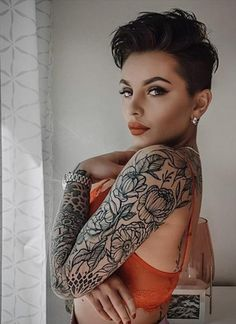Edgy Short Haircuts, Short Hairstyles For Women, Short Hair Cuts For Women Edgy, Short Short Hair, Edgy Pixie Hairstyles, Short White Hair, Pixie Haircut Styles, Cut Hairstyles, Pixie Styles