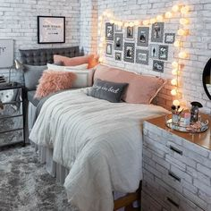 Where to buy dorm bedding: No Bad Days room from Dormify Wondering where to buy dorm bedding? Here are our favorite stores to find insanely cute dorm bedding on a college student budget. College Bedroom Decor, Cool Dorm Rooms, Room Ideas Bedroom, College Room, Wood Bedroom, Bedroom Green, Dorm Room Beds, Bedroom Furniture, Pink Dorm Rooms