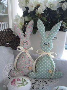 Such cute bunnies!
