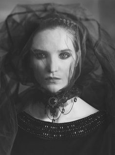 Photography, Large format in People, Portrait, Female, sinar 4x5', film, model: Monika Zawiślak mua&hair: Viola Mietlicka sinar 4x5' fomapan 400 - Image #556374