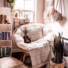 : The most cozy reading corner, as from Michelle shelfie papasanchair bohoroom . The most cozy reading corner, as from Michelle shelfie papasanchair bohoroom – apartment boh bohohomedecor bohoroom corner cozy homedecorbohemian homedecorstyles mich Cozy Reading Corners, Cozy Corner, Reading Nooks, Cute Room Decor, Wall Decor, Room Ideas Bedroom, Book Corner Ideas Bedroom, Bedroom Inspo, Bedroom Designs