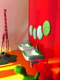 baño para niños con lavabos originales Florakids, de Laufen.