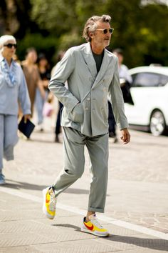Pitti Uomo: Street style that floored us from the spring/summer 2020 runway season Style Hipster, Style Casual, Swag Style, Men Casual, Fashion Moda, Look Fashion, Daily Fashion, Street Fashion, 2000s Fashion