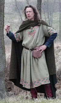 Wintermark Costumes and Patterns - A tunic worn over a bliaut with trousers and a cloak.