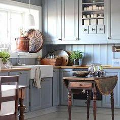 Modern Home Decor Kitchen Farm Kitchen Ideas, Rustic Kitchen Cabinets, Kitchen Stories, Kitchen Cabinet Colors, Home Decor Kitchen, Beach House Kitchens, Home Kitchens, Kitchen Colour Combination, Inexpensive Furniture